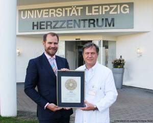Siegelübergabe bei Prof. MUDr. Kostelka in Leipzig