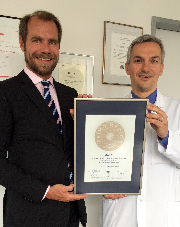 Übergabe des PRIMO MEDICO Siegels an Prof. Dr. Dr. med. Johannes T. Heverhagen