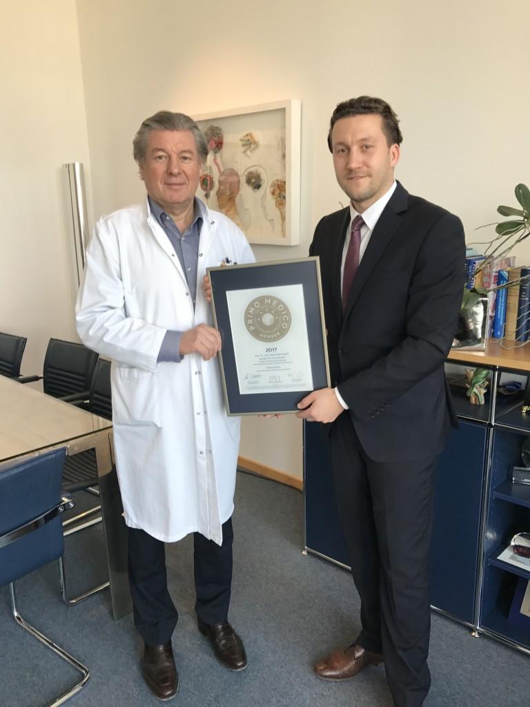 Siegelübergabe 2017 an PRIMO MEDICO-Mitglied Prof. Bertalanffy