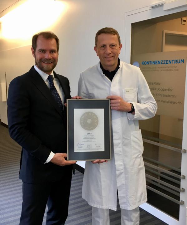Siegelübergabe 2017 an PRIMO MEDICO-Mitglied Dr. Reitz