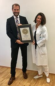 Siegelübergabe 2017 an PRIMO MEDICO- Mitglied Dr. Buchen