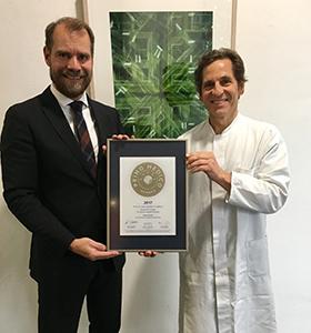 Siegelübergabe 2017 an PRIMO MEDICO- Mitglied Prof. Dr. med. Joachim A. Steffens