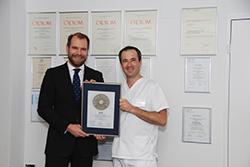 Siegelübergabe 2018 an PRIMO MEDICO- Mitglied Dr. med. dent. Flavio Brunner