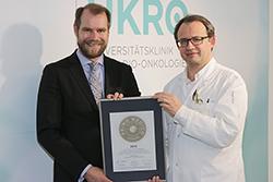 Siegelübergabe 2018 an PRIMO MEDICO- Mitglied Prof. Dr. med. Daniel M. Aebersold