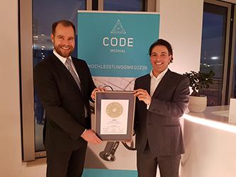 Siegelübergabe 2018 an PRIMO MEDICO- Mitglied CODE Medical Frankfurt