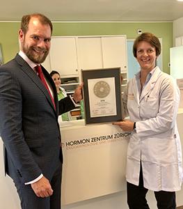 Siegelübergabe 2018 an PRIMO MEDICO- Mitglied Dr. med. Mirjam Faulenbach