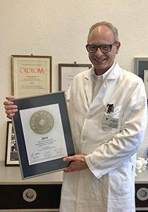 Siegelübergabe 2018 an PRIMO MEDICO- Mitglied Prof. Dr. med. Ralph Hertel