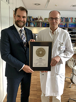 Siegelübergabe 2018 an PRIMO MEDICO- Mitglied Prof. Dr. med. Vogl