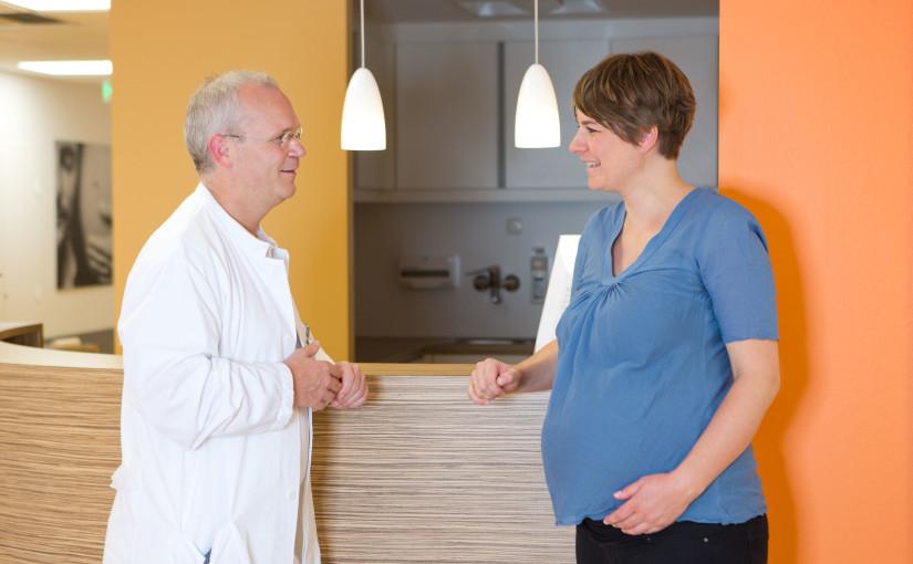 Rhein-Kreis Neuss Kliniken GmbH Kreiskrankenhaus Dormagen Geburtshilfe  © und Foto: Anja Tinter Fotos sind honorarpflichtig!