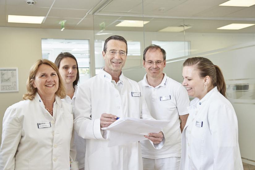 Dr. med. Matthias Riedl und sein Team