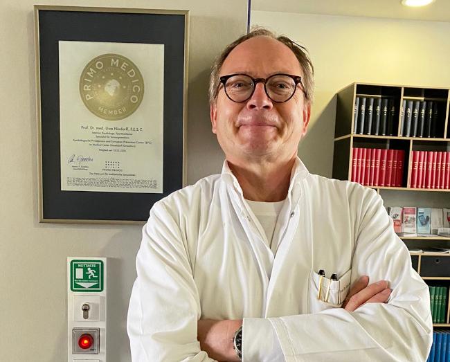 Prof. Dr. med. Uwe Nixdorff erhielt das PRIMO MEDICO Siegel